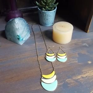 Pier One Necklace and Earring Set